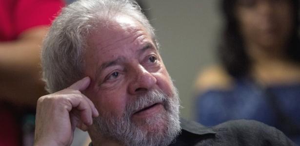 21set2017---o-ex-presidente-luiz-inacio-lula-da-silva-participa-do-lancamento-da-iniciativa-o-brasil-que-o-povo-quer-da-fundacao-perseu-abramo-em-sao-paulo-1506009158450_615x300