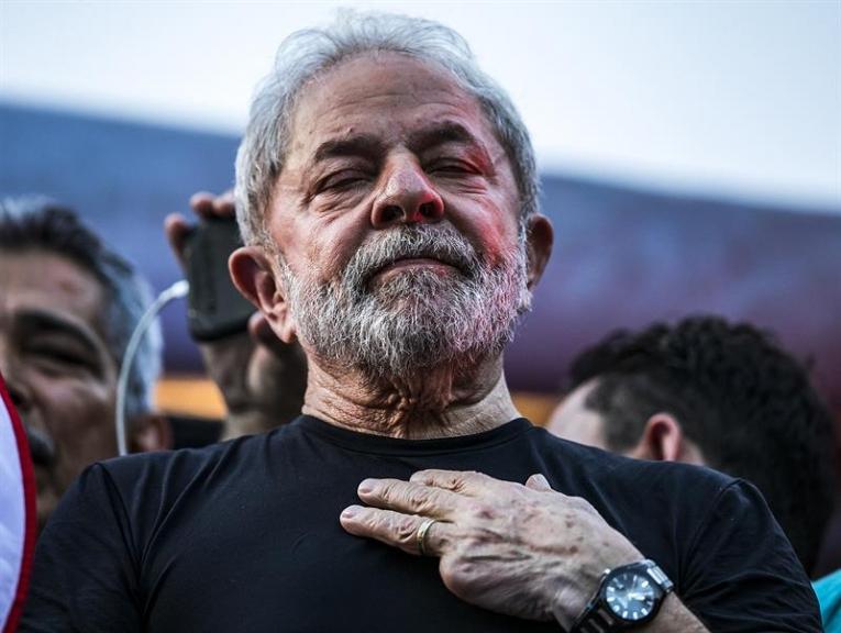Compadre de Lula quer ser excluído de ação sobre o sítio de Atibaia